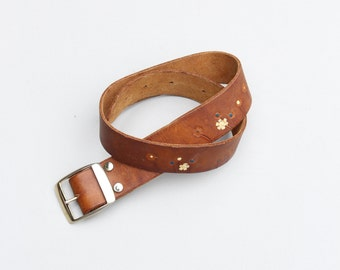 70s hand tooled ladies hippie belt - brown leather belt / tooled flowers & butterfly - vintage 60s hippie belt - boho / 70s tooled belt
