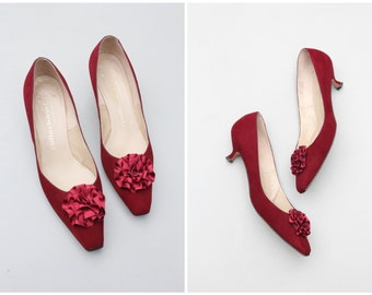 1950s cabernet wine suede kitten heels / I. Miller - vintage 50s pumps . satin ribbon rosette / 1950s party heels - ladies 7.5 8N or M