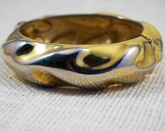 Vintage Ciner Gold Tone Wave Modernist Clamper Hinged Bracelet