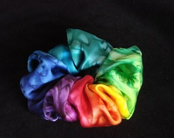 Rainbow scrunchie with salt pattern