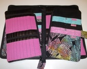 Double Tips Deluxe Spill Proof Needlecase in Sassy Leaves with Pink for tips and circs