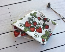 Strawberry print tea towel, cotton tea towel, kitchen towel,wild berries towel,  bright towel, practical towel, red white, leafs towel
