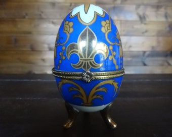 Vintage Ceramic Imitation Faux Faberge Like Display Decorated Egg Ornament Jewellery Ring Presentation Case circa 1970-80's / English Shop