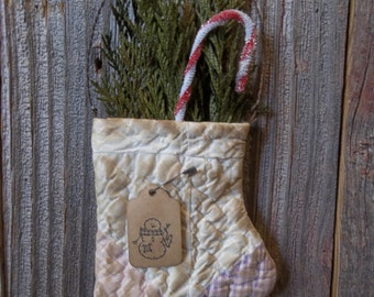 Primitive Handmade Antique Cutter Quilt Mitten Ornaments with Preserved Cedar - Winter/Holiday