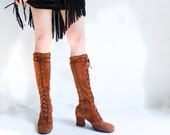 vintage 60's gogo boots . lace up knee highs . brown suede . new romantics  / size 5.5