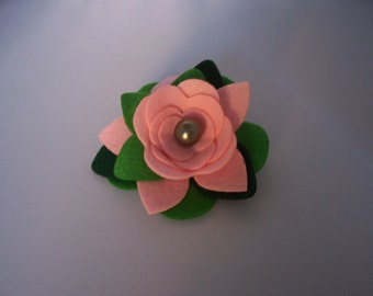 ONE Felt Flower Brooch - Various Pink / Green - FREE SHIPPING!