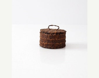 SALE vintage clove basket, decorative basket with lid