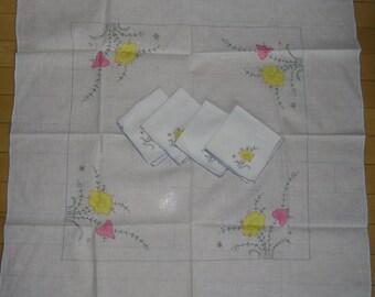 "Vintage Tablecloth Set - Hand Embroidered Floral Applique Set, Tablecloth 31"" Square, 4 Napkins 9"" Square, Wedding or Shower Decor"