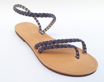 The Delfine sandal - Dark Grey Suede braid