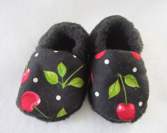 Black Cherry fleece baby booties