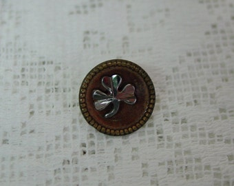 """Antique Metal Button Silver 3 Leaf Clover on Tinted Background 1/2"""""""
