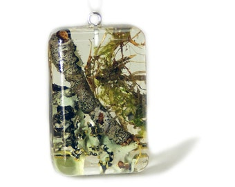 Moss Jewelry - Real Moss Jewelry - Lichen Jewelry - Necklace Charm - Necklace Pendant - Resin Pendant - Green Pendant - Resin Jewelry