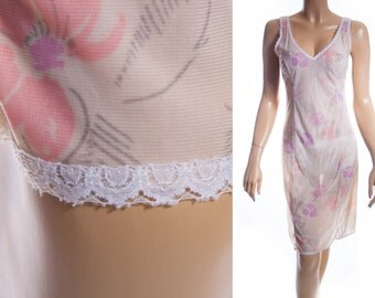 Pretty silky soft sheer ivory pink and lilac subtle floral design nylon and delicate white lace detail 1980's vintage full slip - 3579