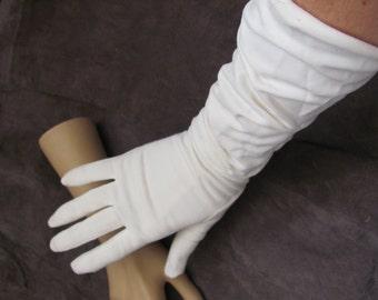 "Beautiful Ivory Ladies Soft Nylon Gathered Gloves 16"" Inch Long (05M)"