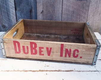 Vintage DuBev Inc. Soda Crate DuBois Weathered Wood Red Lettering Handles Rustic Primitive Decor Storage Chattanooga 1970's