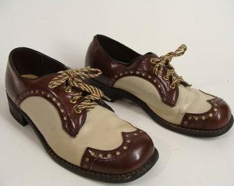 Spectators. Wingtips. vintage 60s Brown n Tan Spectator Wingtip Lace Up Oxfords Shoes Men's size 8 1/2 Women's 10 unisex