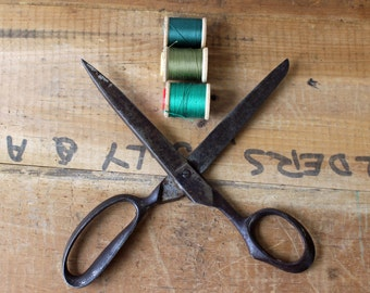 Vintage R Heinisch scissors - right handed no. 179 - 8.5 inches - Newark NJ - antique sewing scissors