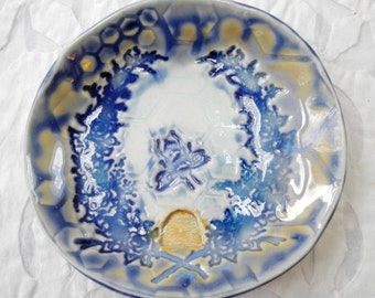 Bee ring dish, Blue Bee, ring bowl, bee hive, Honeycomb, Save the Bees, blue gold, Spoon Rest, Small dish, teabag holder, ring dish holder