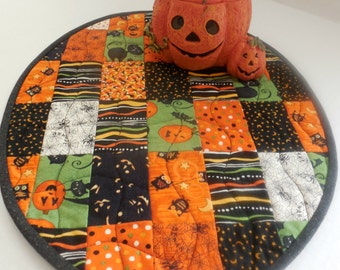 Halloween Table Runner-Oval-Reversible-Free Shipping to US and Canada