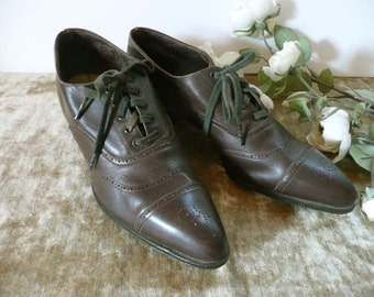 Vintage Pair Of Brown Leather Beasley Wauk Light Ladies Oxford Shoes - Size 5