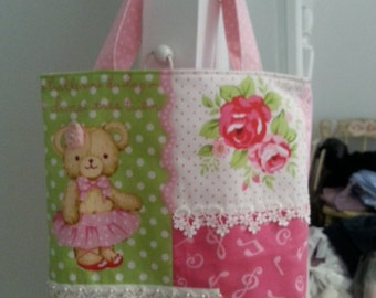 Girl's Tote Bag with Bear and Roses