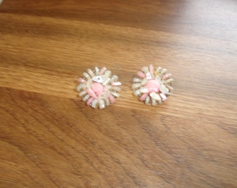 vintage clip on earrings pink white glass bead clusters