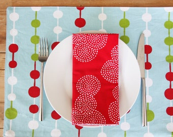 Placemats - Green White Red Beads Holiday - Set of 4 Merry Christmas