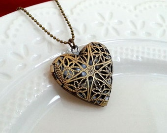 Heart Locket Necklace. Filigree Brass Locket. Vintage Heart Locket. Heart Necklace. Valentines Day Gift. Heart Jewelry