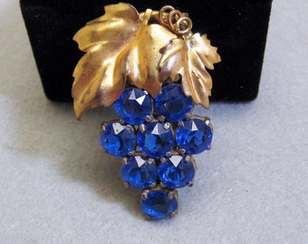 Blue Rhinestone Grapes Dress Clip, 1940s, Fabulous