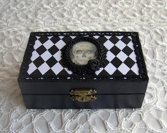 Pierrot vanitas box