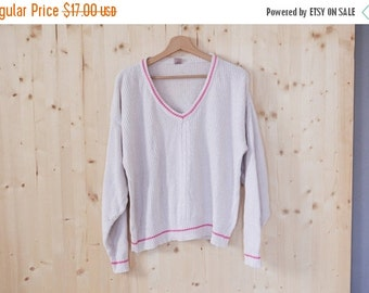 SALE White Cotton Knitted sweater womens V neck sweater Vintage 90s