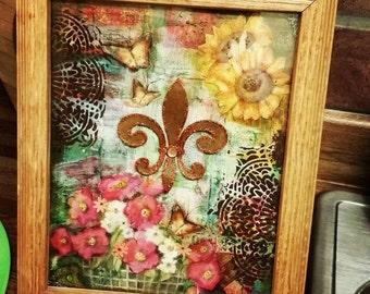 Fleur de lis in 8x10 wooden tabletop frame