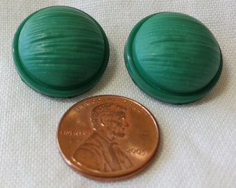 "4 Kelly green plastic buttons. 2X0.75""ins, 2X0.5""ins.  Self shank sew through.Great for many crafts, knitts,dresses and more. HMFR13.6-19.62"