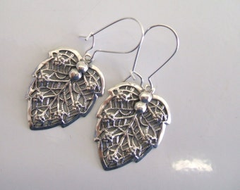 Antique Vintage Art Deco Era Sterling Silver Leaf Dangle Earrings Kidney Wire Earrings 1920's Flapper Era Filigree Earrings