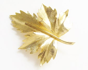 Vintage Large Maple Leaf Brooch signed SPHINX Gold Tone