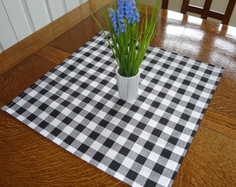 Black White Plaid Country Style Table Square 17x17 'Doubles as Bread Basket Liner'