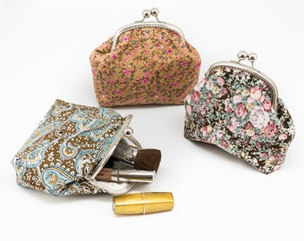 Cosmetic purse - Kiss Lock Purse - Silver Frame - Frame Coin Purse - Floral Cotton Purse
