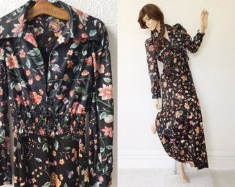 Black Floral Gown, Floor Length V-Neck, Matching Jacket, Flower Buttons, 1970's Formal Dress, 2 Piece, Butterfly Collar, size XS, Vintage
