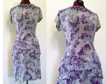 1940s Colorful Floral Dress w Peplum / Floral Pattern 1940s Dress / War Era Dress / Lilac Tree / Size S