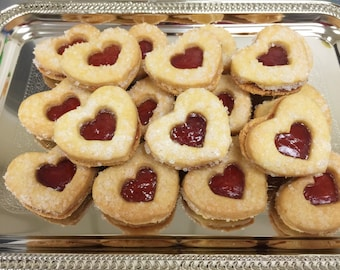 Oma Gisi's Jelly Heart Sandwich Cookies (Box of 12)