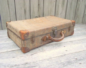 Antique Wicker Suitcase Woven Rattan Luggage Suit Case Leather Handle with SKELETON KEY - Victorian Steam Ship Steamship Traveler