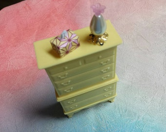 Marx Marxie Mansion Yellow Highboy  Bedroom  Fits 3/4 Renwal Hard Plastic
