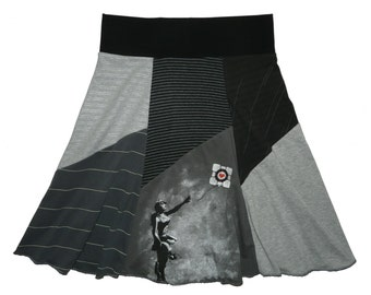 Shades of Gray Women's Medium Large Hippie Skirt upcycled t-shirt clothing from Twinkle