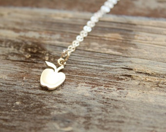 Smooth Apple Necklace in Sterling Silver