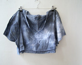 Upcycled Short Sleeve Crop Top Loose Fit, Boho Lagenlook Indigo Shibori Unisex Shirt Size XL XXL Frayed Edges, Indie Festival Eco Clothing