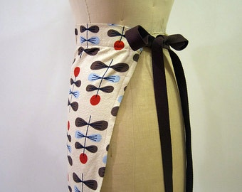 Waist Apron Cafe style in Modern Geometric Print Barkcloth - Natural, Red, Blue