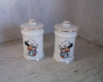 Disney Gourmet MICKEY Mouse Salt and Pepper Shakers Chef Vintage