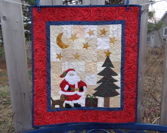 Christmas Quilt, Santa Quilt, Country Patchwork, Small Quilt,0314-11