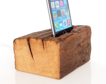 iPhone Dock - iPod Touch Dock - for iPhone 5 / 5C / 5S / SE / 6 / 6 Plus / 6S / 6S Plus / 7 / 7 Plus - handmade from barnwood