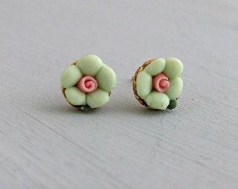 Green Flower Earrings .. little flower earrings, ceramic earrings, mint green, green studs, spring flower, tiny earrings